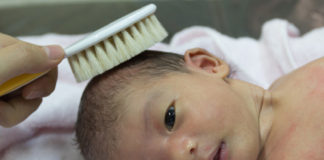 Newborn Hair Care – When To Comb, When To Wash, How To Choose Hair Care Products
